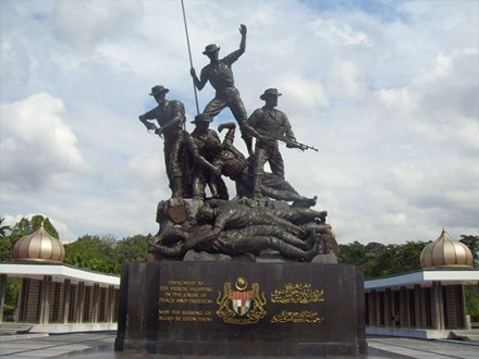 Malaysia-National-Monument-1